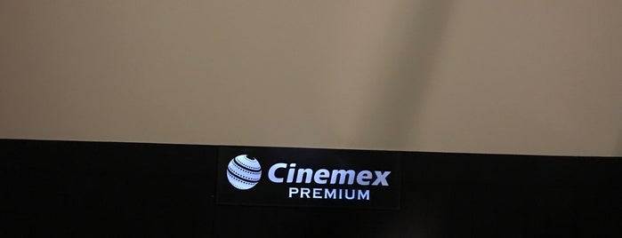 Cinemex Platino is one of Lugares favoritos de Ismael.