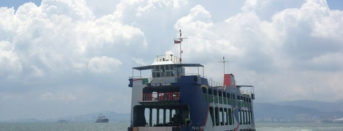 Butterworth Ferry Terminal (Pangkalan Sultan Abdul Halim) is one of Tempat yang Disukai Alyssa.