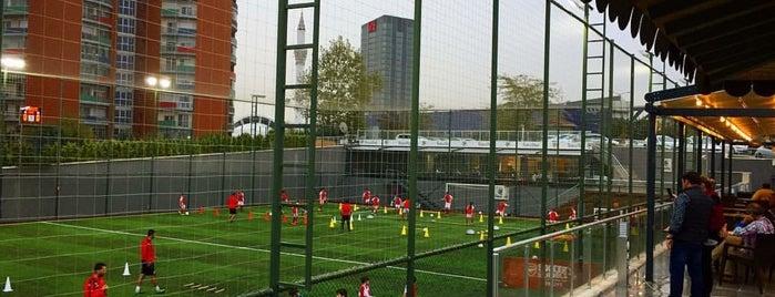 Futbol Park is one of Lugares favoritos de Mete.