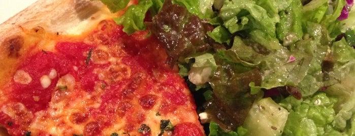 SPIN! Neapolitan Pizza is one of Tempat yang Disukai Darren.