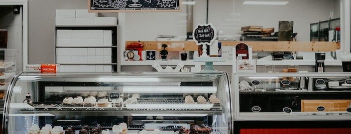 Parcell's Perk Coffee Shop & Bakery is one of Locais curtidos por Channing.