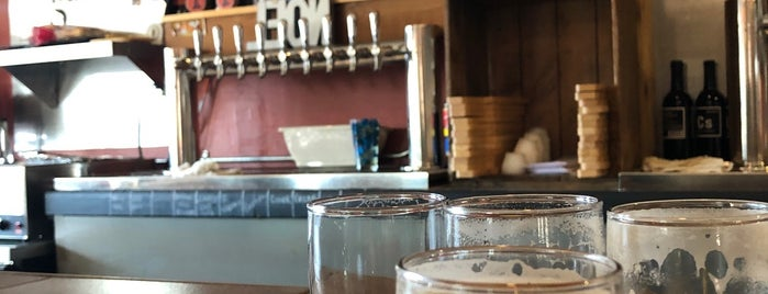 North Jetty Brewery and Tap Room is one of Posti che sono piaciuti a Nicole.