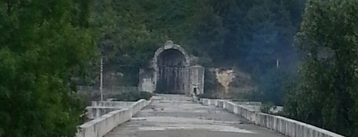 Justinianus Köprüsü is one of Bir Gezginin Seyir Defteri.
