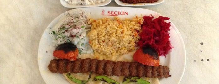 Seçkin Pide & Kebap is one of สถานที่ที่บันทึกไว้ของ Emre.