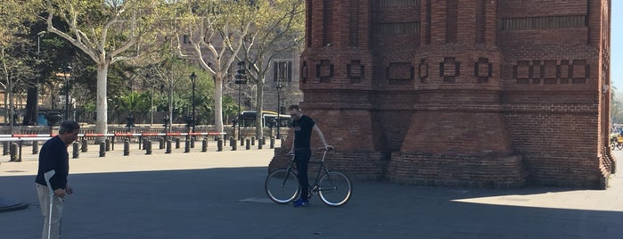 deviant bikes is one of Barcelona-18.