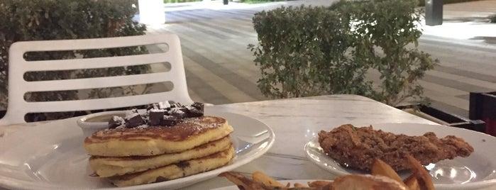 Clinton St. Baking Company & Restaurant is one of Dubai ❤.
