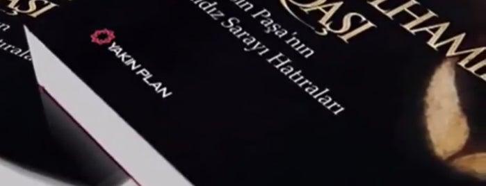 İnkılap Kitabevi is one of Lugares favoritos de Uğur.