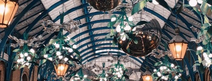 Covent Garden is one of Tempat yang Disukai Bora.