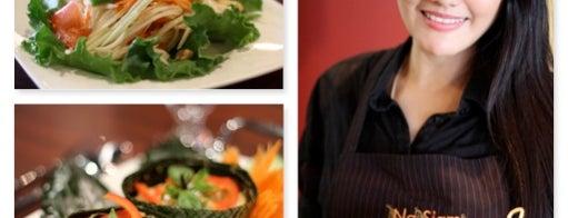 Na Siam Thai Cuisine is one of Beth : понравившиеся места.