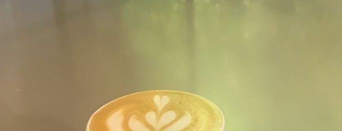 Rasam Coffee is one of Locais salvos de Queen.