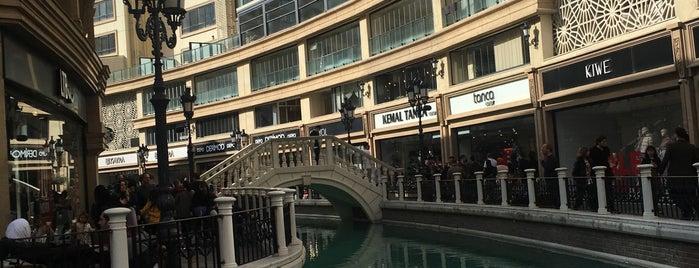 Viaport Venezia San Marco Meydanı is one of Nesime'nin Kaydettiği Mekanlar.