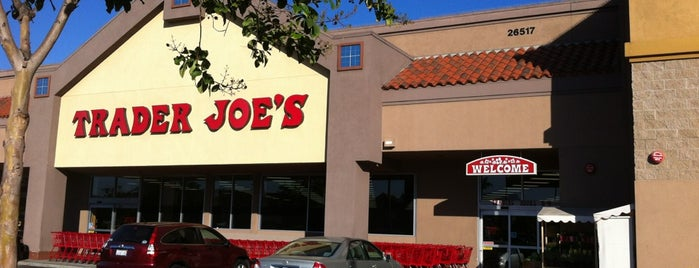 Trader Joe's is one of สถานที่ที่ Shamika ถูกใจ.