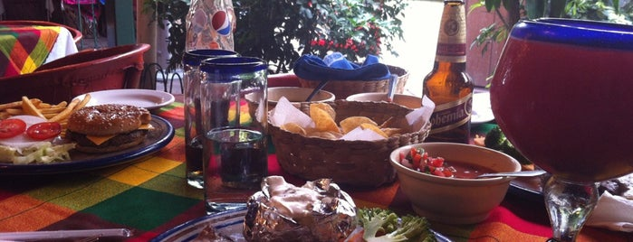 El Rincon del Sol Restaurante is one of Tonala.
