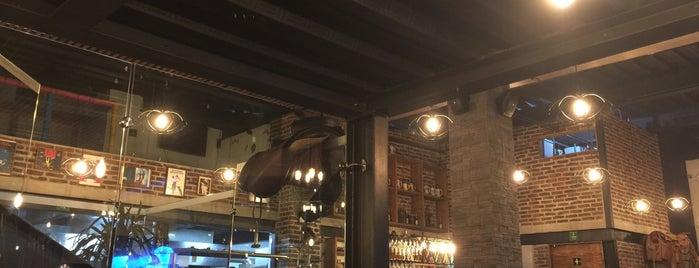 La Biela Esmeralda is one of Restaurantes.