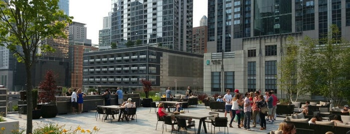 The 9 Best Rooftop Bars In Chicago