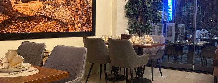 Cilicia Restaurant is one of Queen'in Kaydettiği Mekanlar.