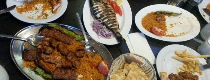 Urfam Restaurant is one of Locais curtidos por Mirko.