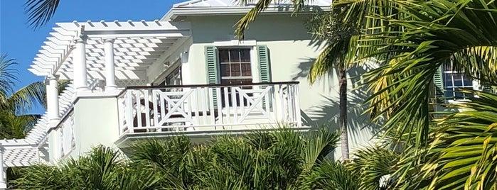 Royal West Indies is one of Tempat yang Disukai Denis.