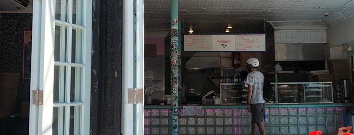 Screamer's Pizzeria is one of Amelia'nın Beğendiği Mekanlar.