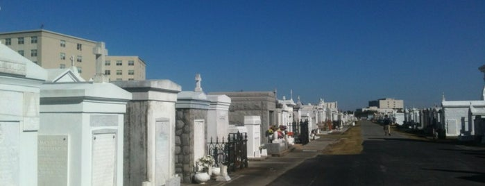 St. Louis Cemetery No. 3 is one of Highlights.
