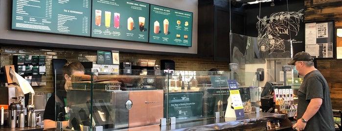Starbucks is one of Lieux qui ont plu à Jeff.