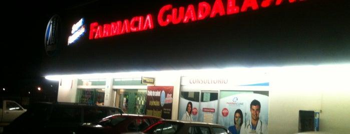 Farmacia Guadalajara is one of Orte, die Cristian gefallen.