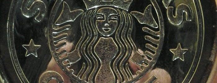Starbucks is one of Tempat yang Disukai Phil.