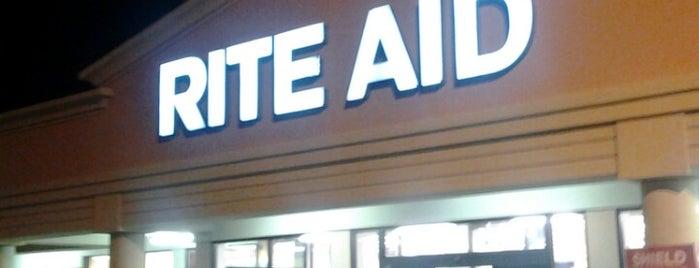 Rite Aid is one of Lieux qui ont plu à Garrett.