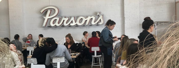 Parson's Chicken & Fish is one of Locais curtidos por Dustin.