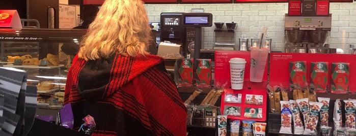 Starbucks is one of Alejandro : понравившиеся места.