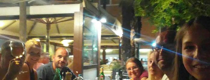 Caffe Bar Skala is one of Locais curtidos por Klaas.