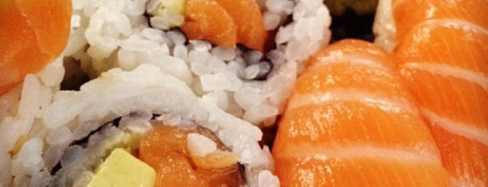 Dake Sushi is one of Locais curtidos por Johanna.