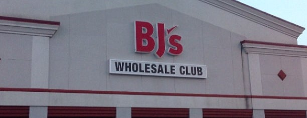 BJ's Wholesale Club is one of Lugares favoritos de Christopher.