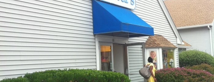 Carter's is one of สถานที่ที่ Micael Helias ถูกใจ.