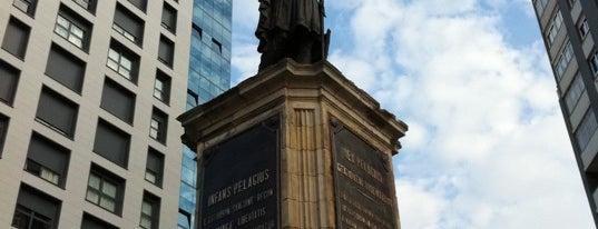 Estatua de Pelayo is one of Lieux sauvegardés par Rosa.