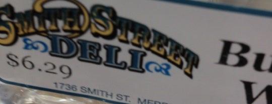 Smith Street Deli is one of Lugares favoritos de Melissa.