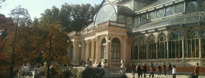 Palacio de Cristal del Retiro is one of Conoce Madrid.