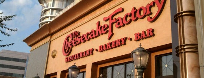 The Cheesecake Factory is one of Jamal 님이 좋아한 장소.