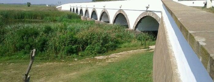 Kilenclyukú híd is one of Travel Bucket List.