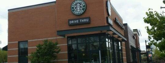 Starbucks is one of Tさんの保存済みスポット.