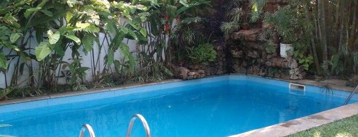 Portal Del Sol Hotel is one of สถานที่ที่ Francisco ถูกใจ.