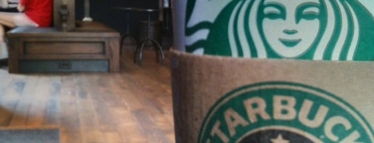 Starbucks is one of Mais lugares.