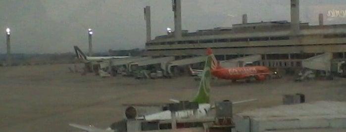 리우데자네이루 갈레앙 국제공항 (GIG) is one of Aeroportos.