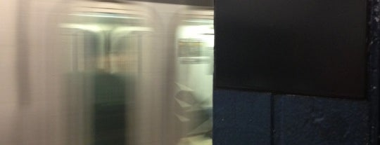 MTA Subway - Chambers St (1/2/3) is one of Lugares favoritos de Alberto J S.