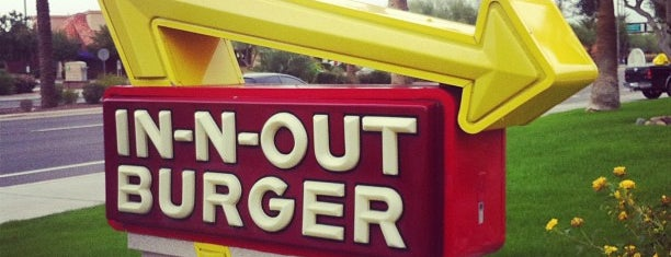 In-N-Out Burger is one of Locais curtidos por Boog.