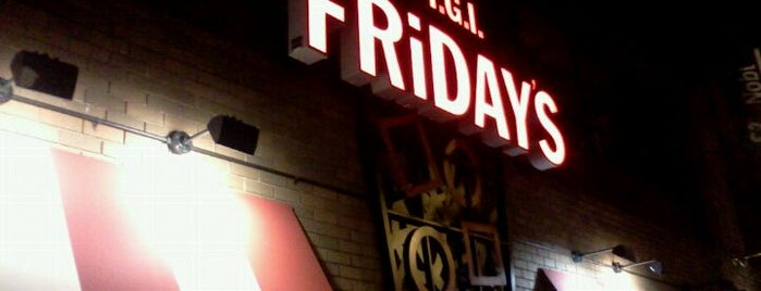 TGI Fridays is one of Locais curtidos por Emeltri G..