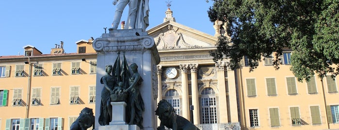 Place Garibaldi is one of FR2DAY's Guide to the Great Outdoors.