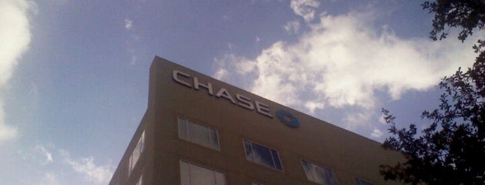 Chase Bank is one of Lieux qui ont plu à Kaleem.
