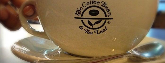 The Coffee Bean & Tea Leaf is one of สถานที่ที่ Ricky ถูกใจ.