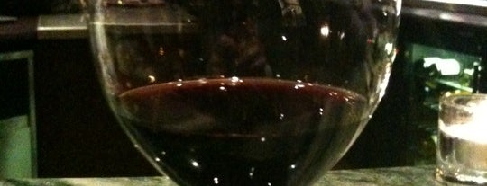 Ô Château is one of The VERY best wine bars in Paris.